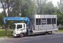Аренда машины с манипулятором для перевозки палаток и ларьков